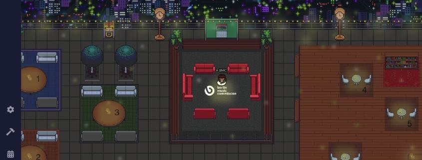 Dachterasse mit Sitzgelegenheiten und BMC-Logo in der Optik einer 90er-Jahre Videospiels
